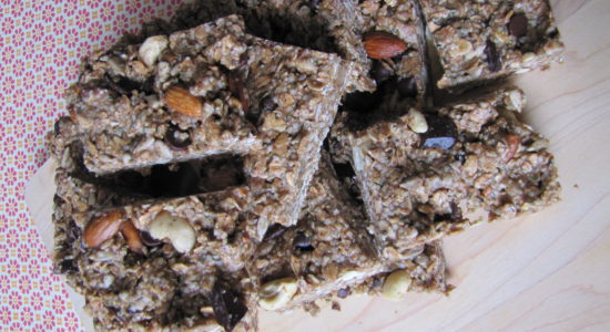 Raw Chocolate Chip Nutty Granola Bar